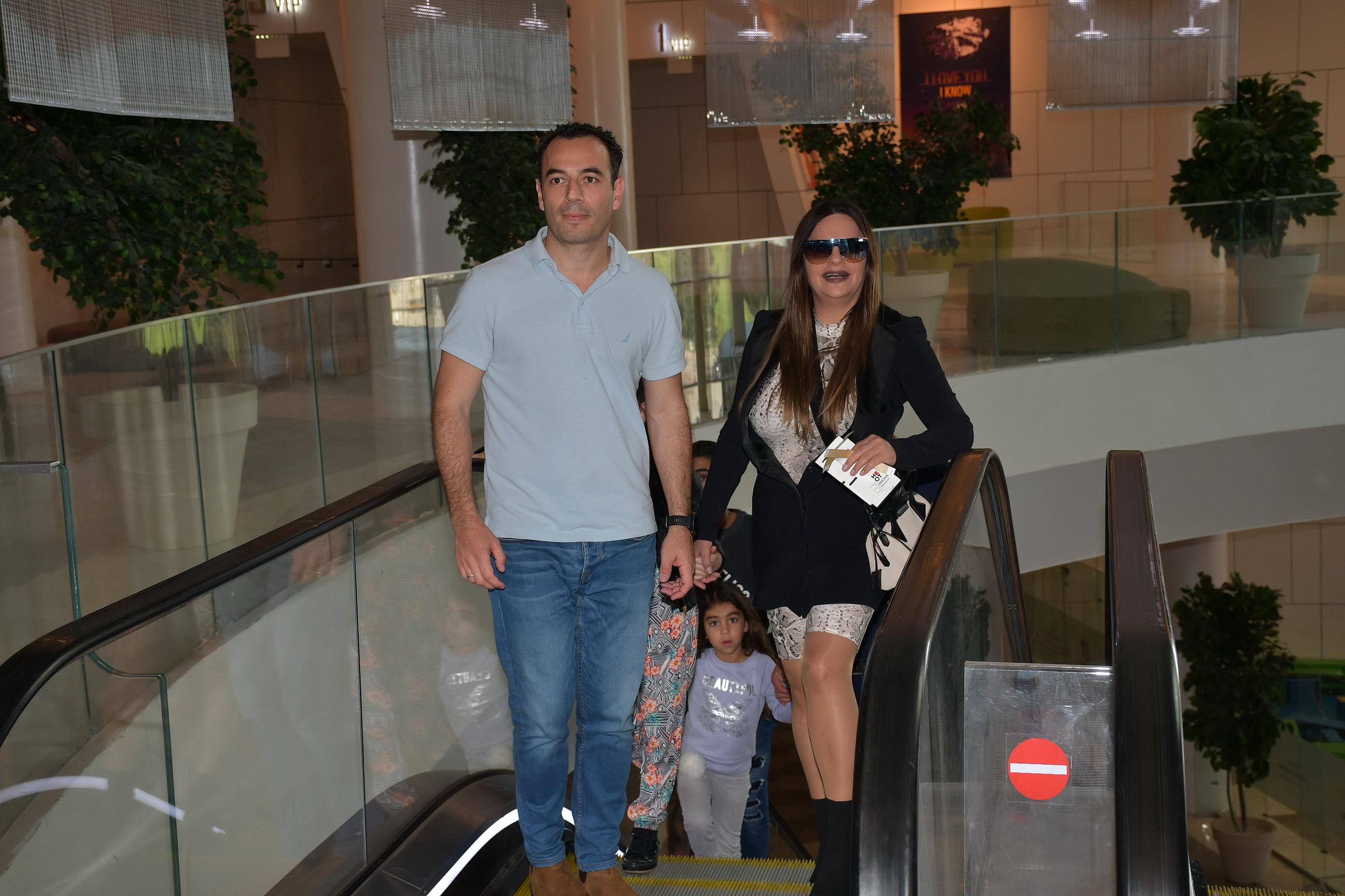 אופירה אסייג ומשפחתה